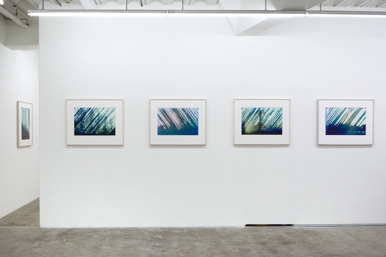 展示風景。左から2番目が本作品。