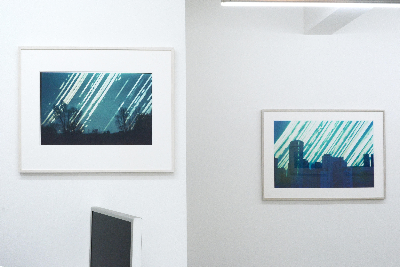 展示風景。右側が本作品。